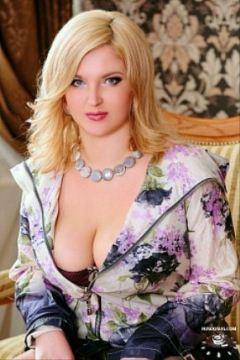 Красотка Каролина из Онегы